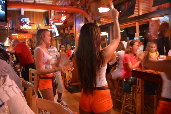 hooters-of-bay-side